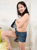 Horny Russian Amateur Spreads Open Her Juicy Pink Pussy - Picture 4