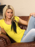 Jessa Rhodes Cums Hard After Playing With A Magic Wand - Picture 2