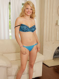 Hot Nubile Pampers Her Pussy With The Magic Wand - Picture 5