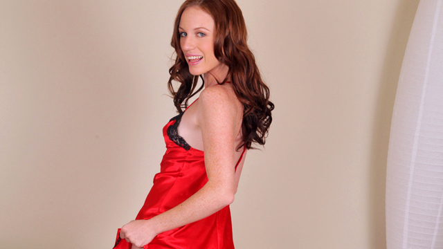 Nubiles.net Kali Kenzington - Wavy haired red head pleasures her clit with a magic wand vibe
