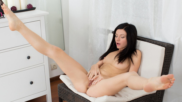 Petite Nubile newcomer punishes her pussy with a big dildovideo