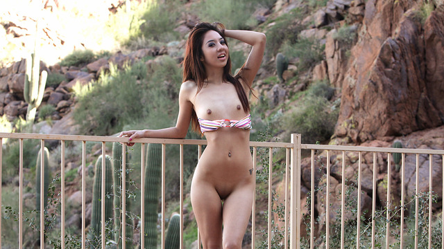 Mila Jade - Outdoor Show