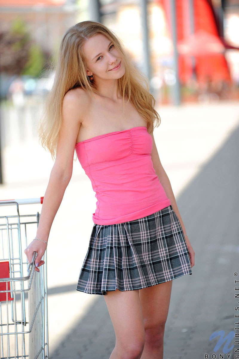 extremely petite teens nude