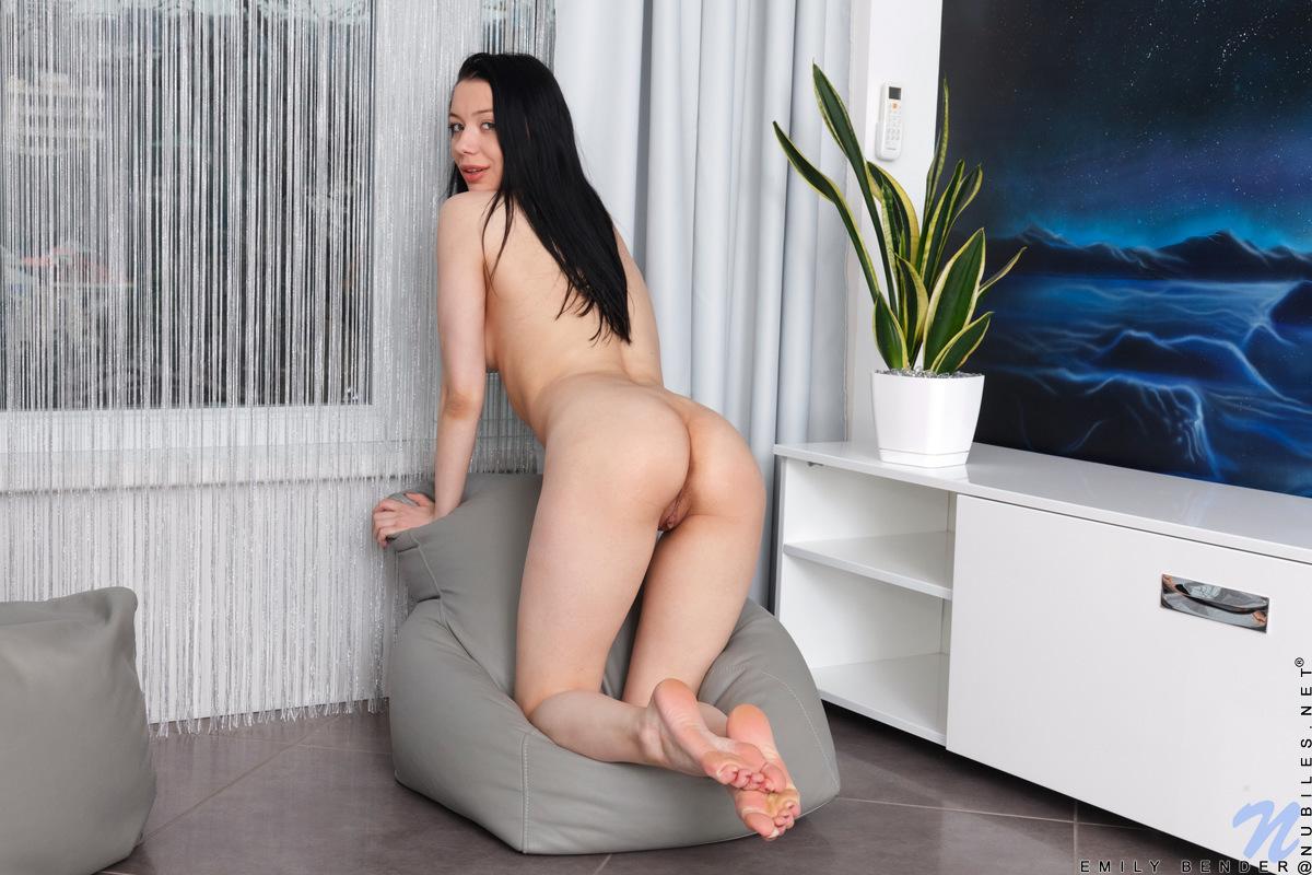 Nubiles.net - Emily Bender: Sexual Pleasure