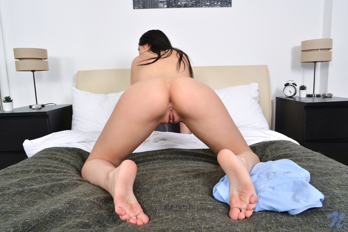 Nubiles.net - Shay London: She Loves To Play