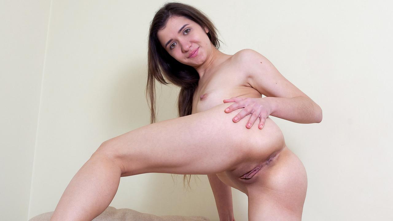 Nubiles.net - Alesya: Turn Me On