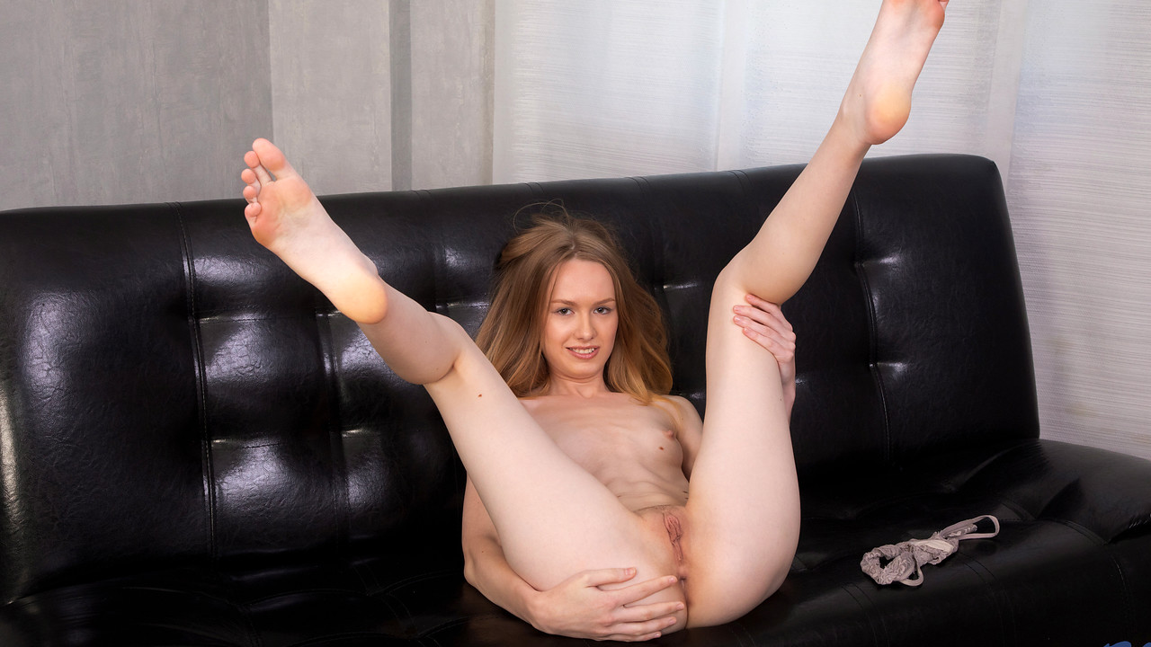 Nubiles - Petite Pussy Play