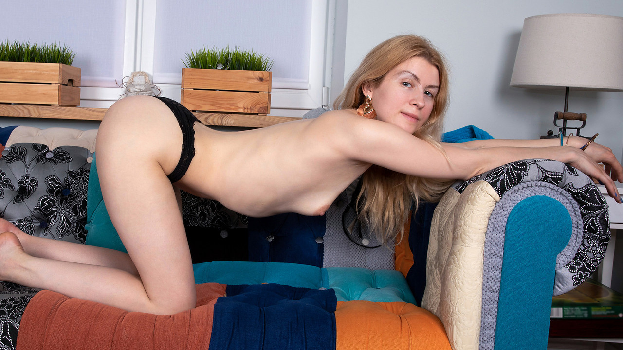 Nubiles - In The Nude