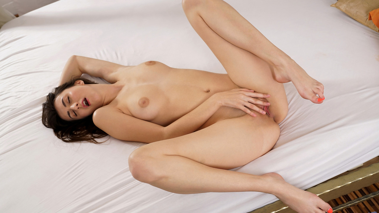 Nubiles - Touching For Fun