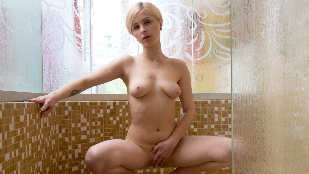 Nubiles - Shower Show